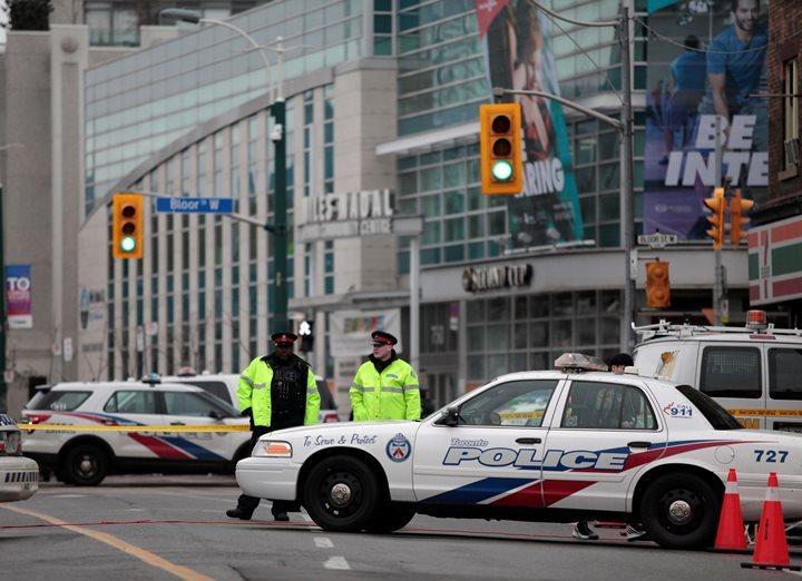 ВКанаде два человека пострадали при стрельбе вклинике хиропластики