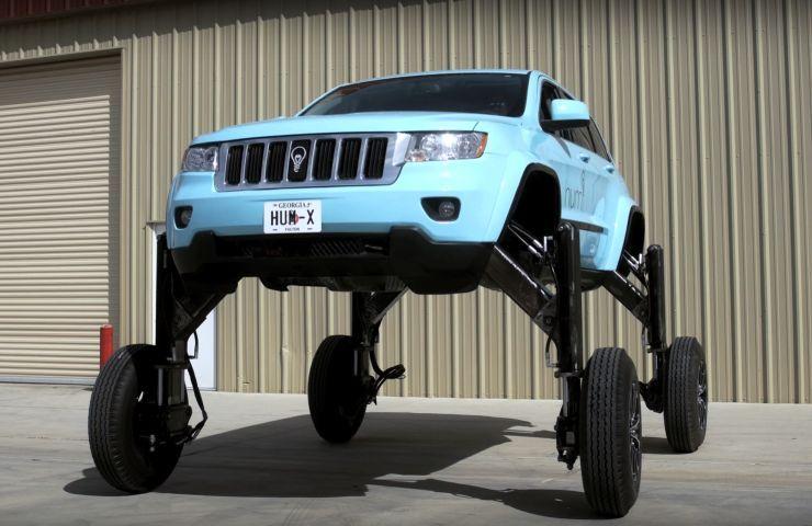 ВСША испытали ипредставили навидео автомобиль-трансформер