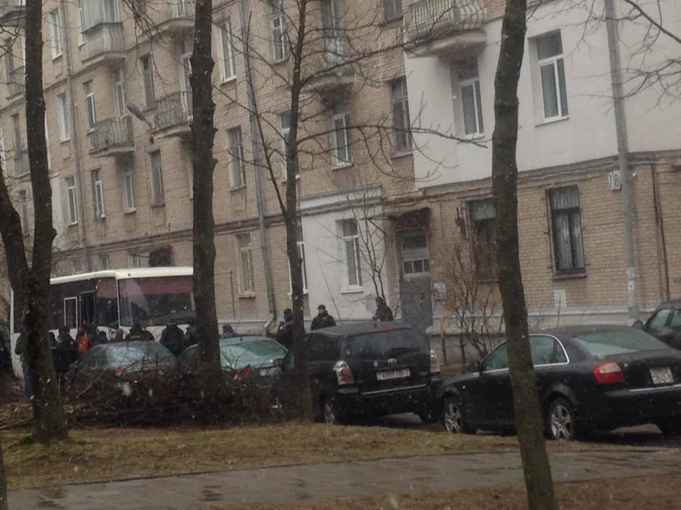 Правозащитная организация «Весна»: вминском офисе силовики проводят обыск