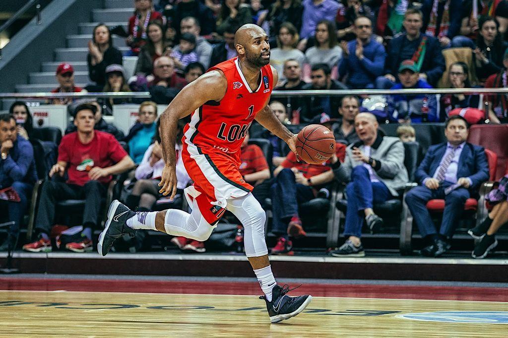 Житель россии стал самым ценным игроком сезона Кубка Европы побаскетболу