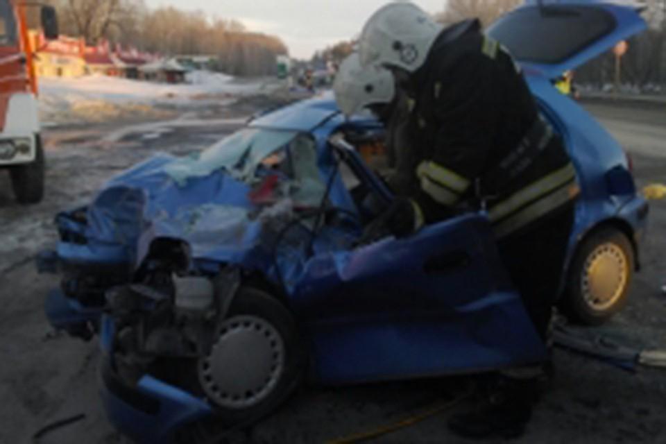 ВАлтайском крае «Хонда» врезалась в фургон «МАН»