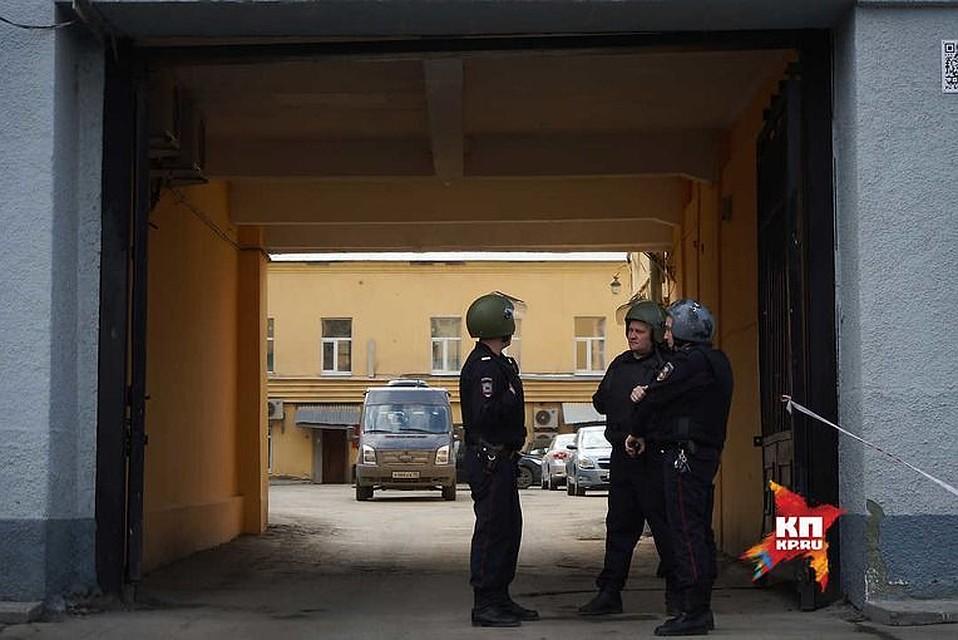 ВЕкатеринбурге из-за подозрительной машины эвакуировали Новомосковский рынок