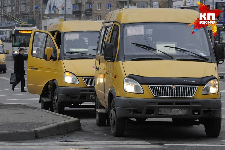 ВБрянске столкнулись маршрутки №№34 и47: пострадали две девушки