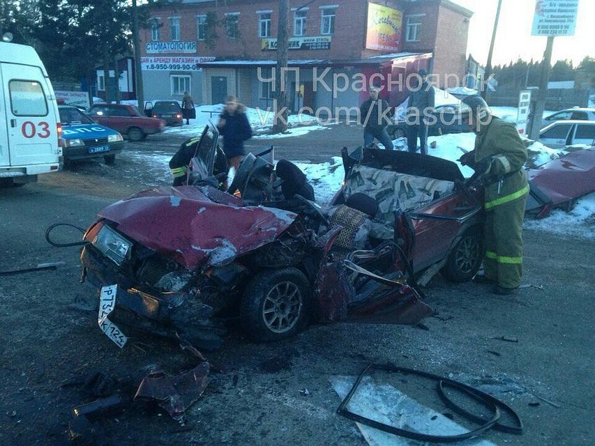 Четверо чудом выжили вразорванных «Жигулях» после ДТП савтобусом