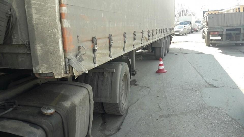 ВСамаре под колесами грузового автомобиля умер старый пешеход