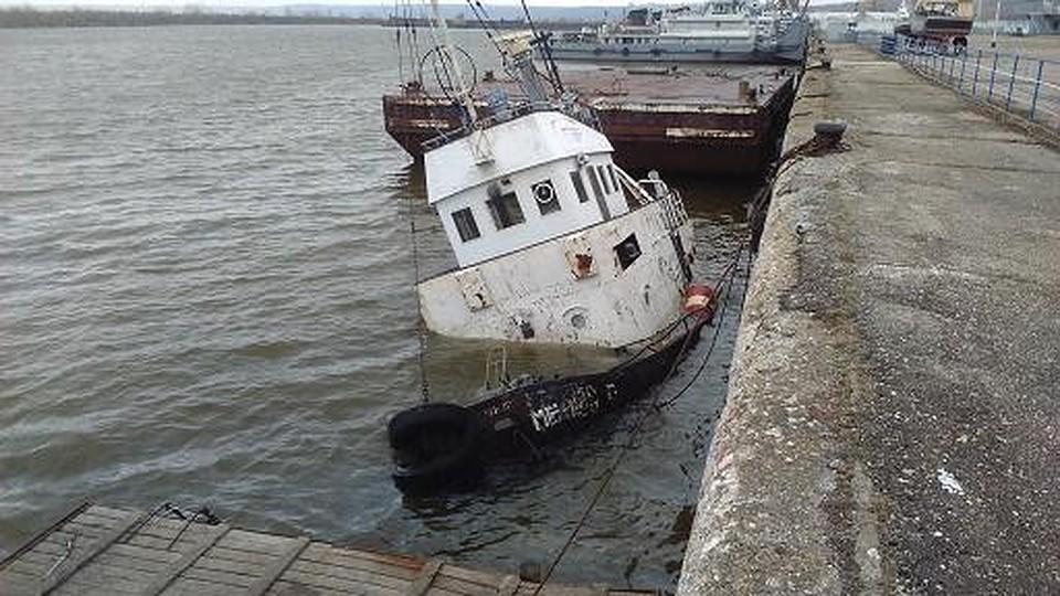 Вульяновском речном порту затонул теплоход