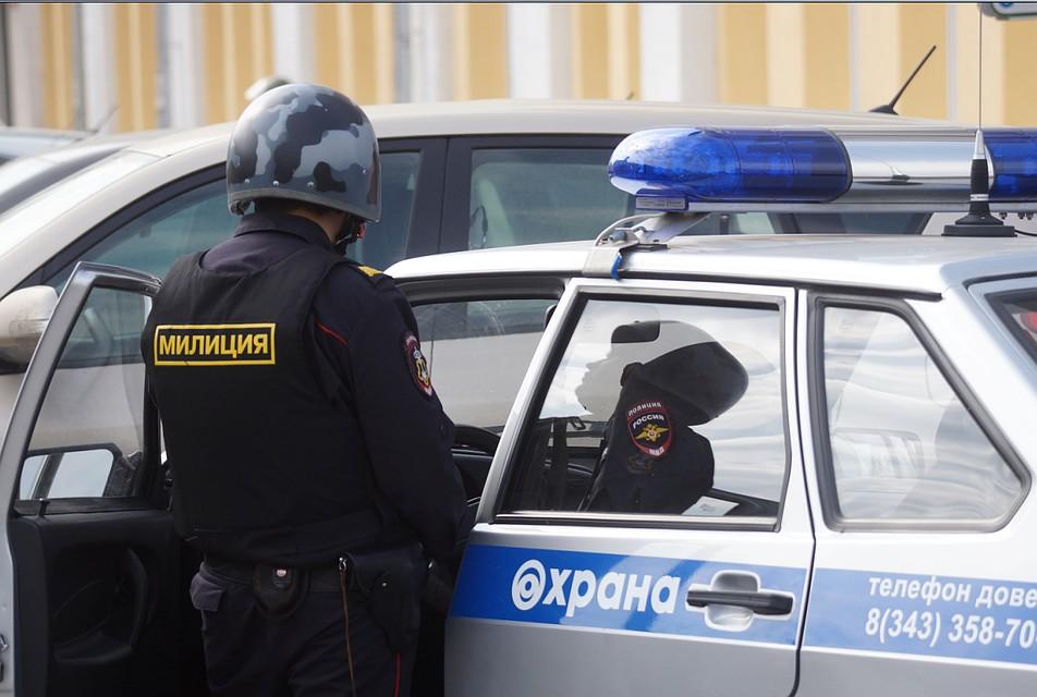Железнодорожную станцию Егоршино оцепили полицейские из-за подозрительного огнетушителя