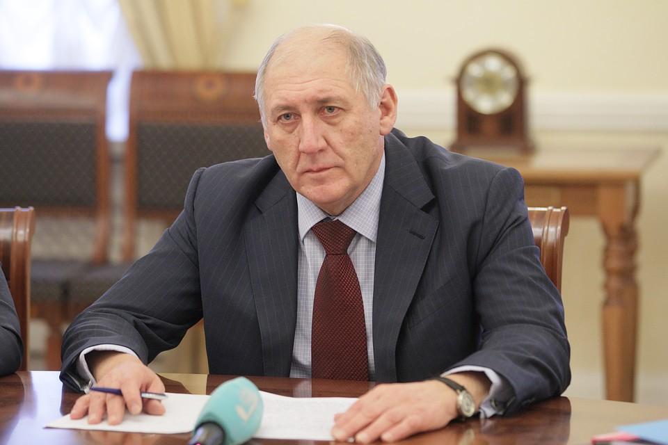 Вице-губернаторы и руководителя  комитетов, входящие всостав руководства  Петербурга, отчитались одоходах