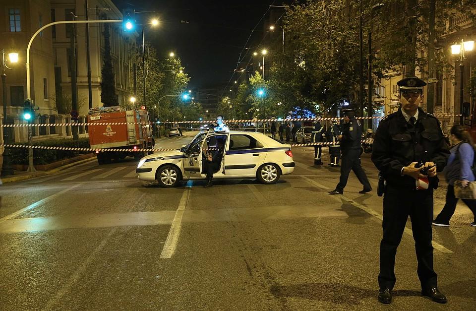 Появилось видео сместа взрыва около банка вАфинах