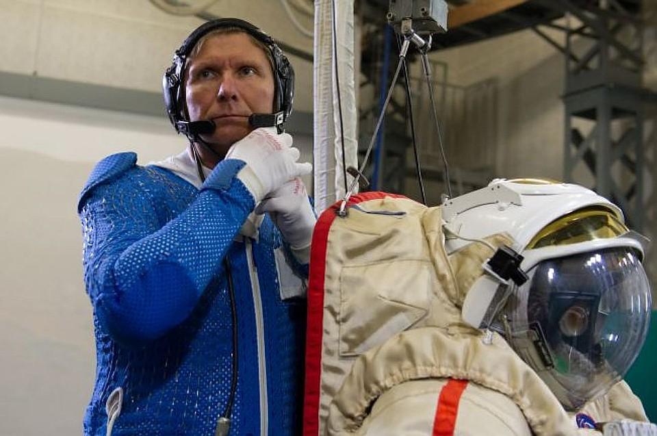 Геннадий Падалка уходит изотряда космонавтов