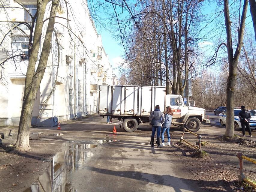 ВЯрославле велосипедист угодил под грузовой автомобиль