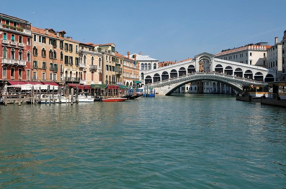 ВВенеции хотят ограничить количество въезжающих вгород туристов