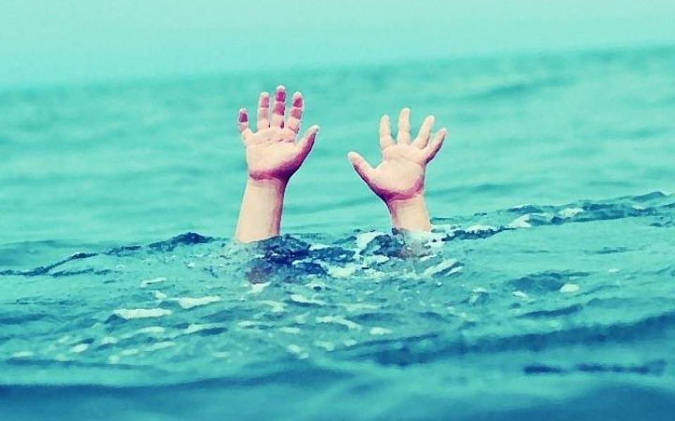 Никто не видел, как ребенок оказался в воде