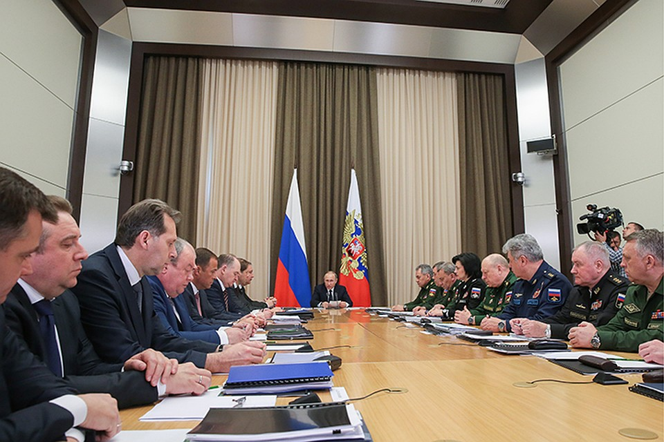 Путин назвал основные темы совещаний своеначальниками и управлением ОПК вСочи