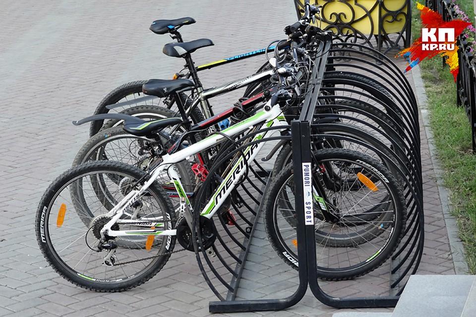ВТюмени ищут молодого человека начерном велосипеде, который сбил ребенка и исчез
