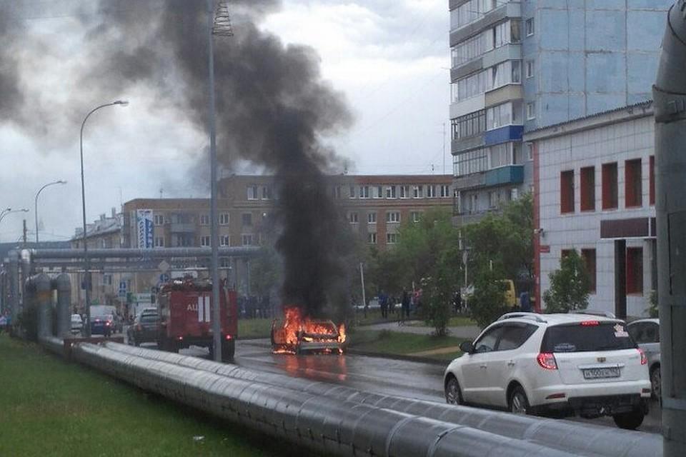 Гражданин Кузбасса сжег автомобиль наглазах усудебного пристава