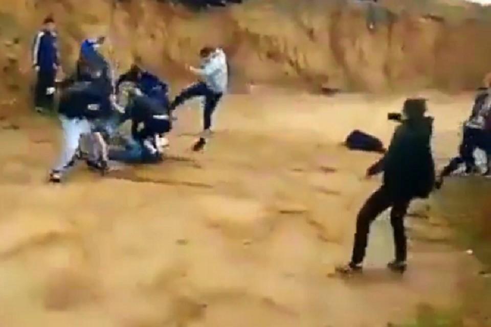 МВД поРТ устанавливает участников массовой потасовки молодых людей вНабережных Челнах