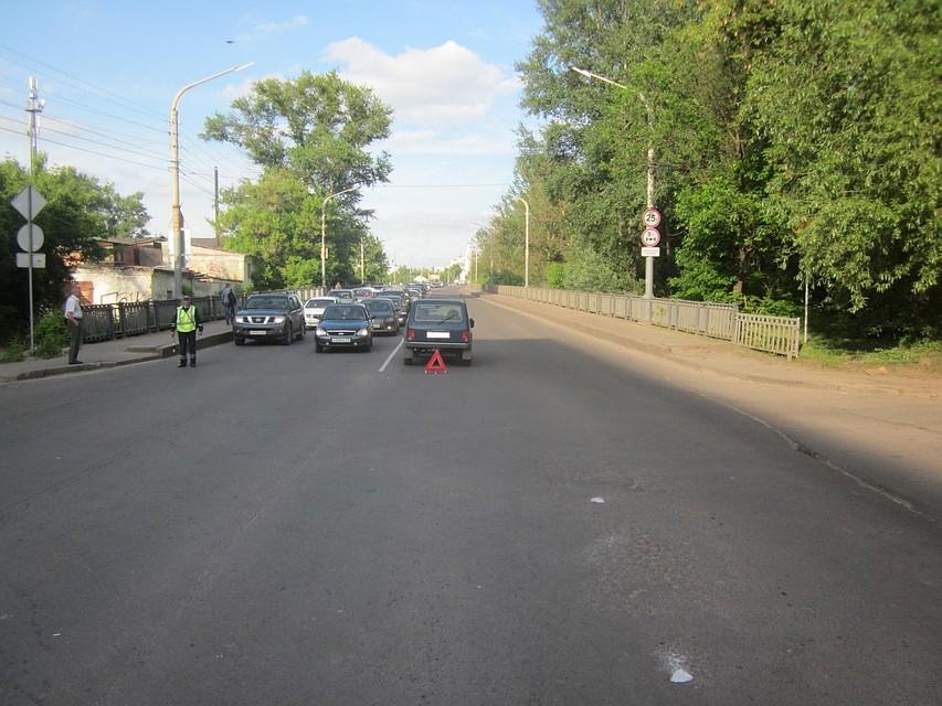 ВШадринске иностранная машина сбила на«зебре» 17-летнюю девушку