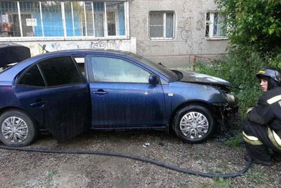 Иностранная машина Тоёта Allion сгорела ночью, 17июня, вИркутске