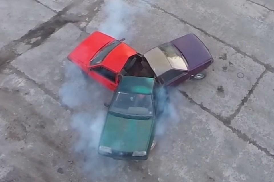 Спиннер вНовосибирске сделали из 3-х авто