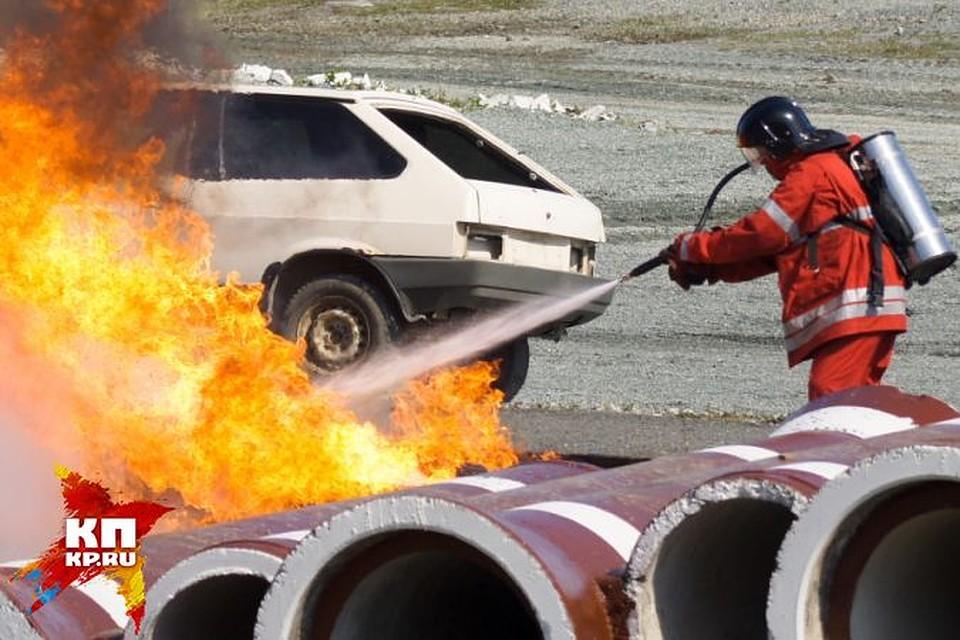 ВЕкатеринбурге вазовскую «копейку» угнали, разбили исожгли