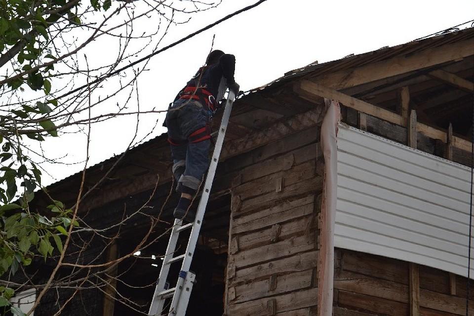 ВУфе cотрудники экстренных служб сняли скрыши 2-х рабочих