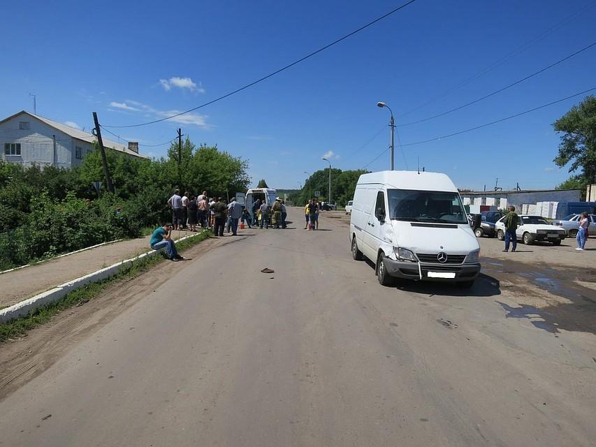 НаОрловщине шофёр мотоцикла пострадал встолкновении смикроавтобусом