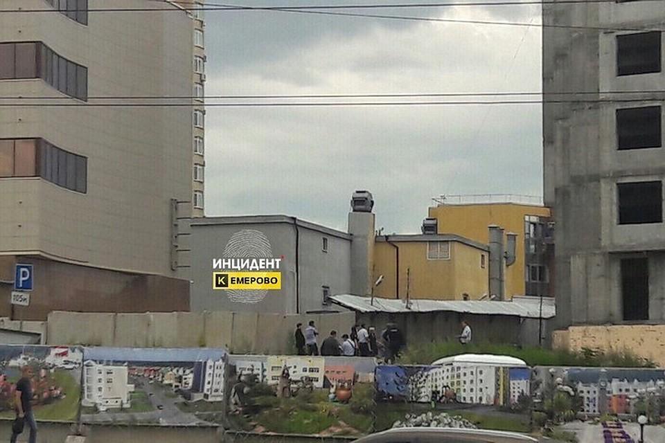 ВКузбассе настройке около торгового центра отыскали тело школьницы