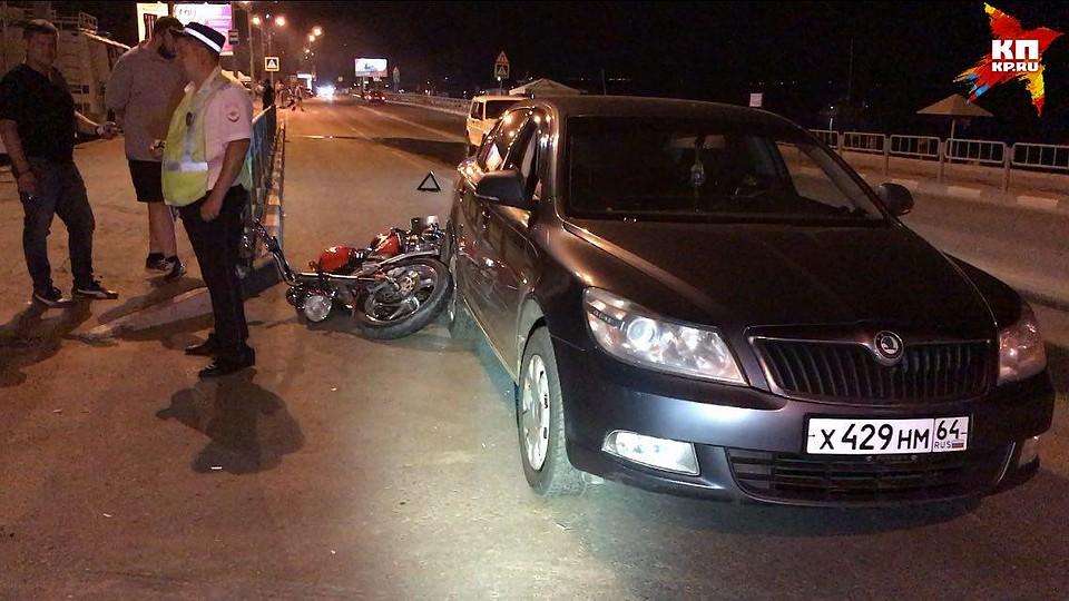 Один человек умер в итоге столкновения автобуса иавтомобиля под Саратовом