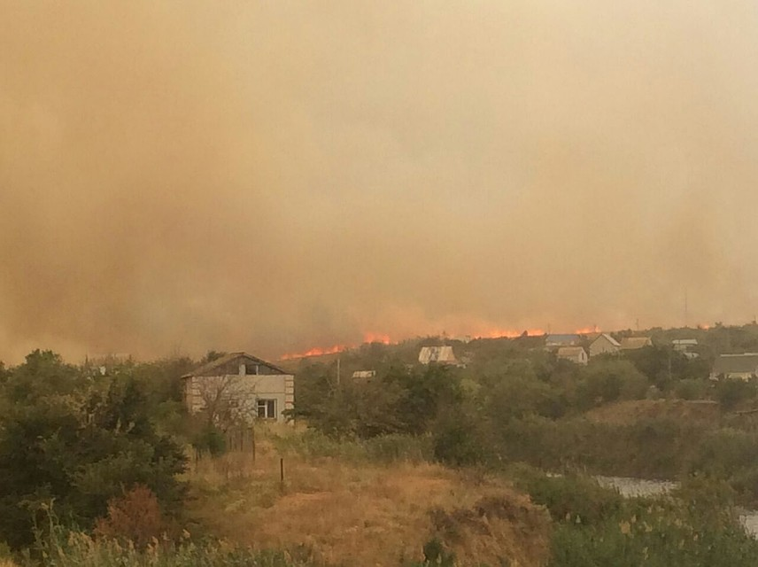 Внушительное коричневое облако накрыло Волгоград из-за пожара