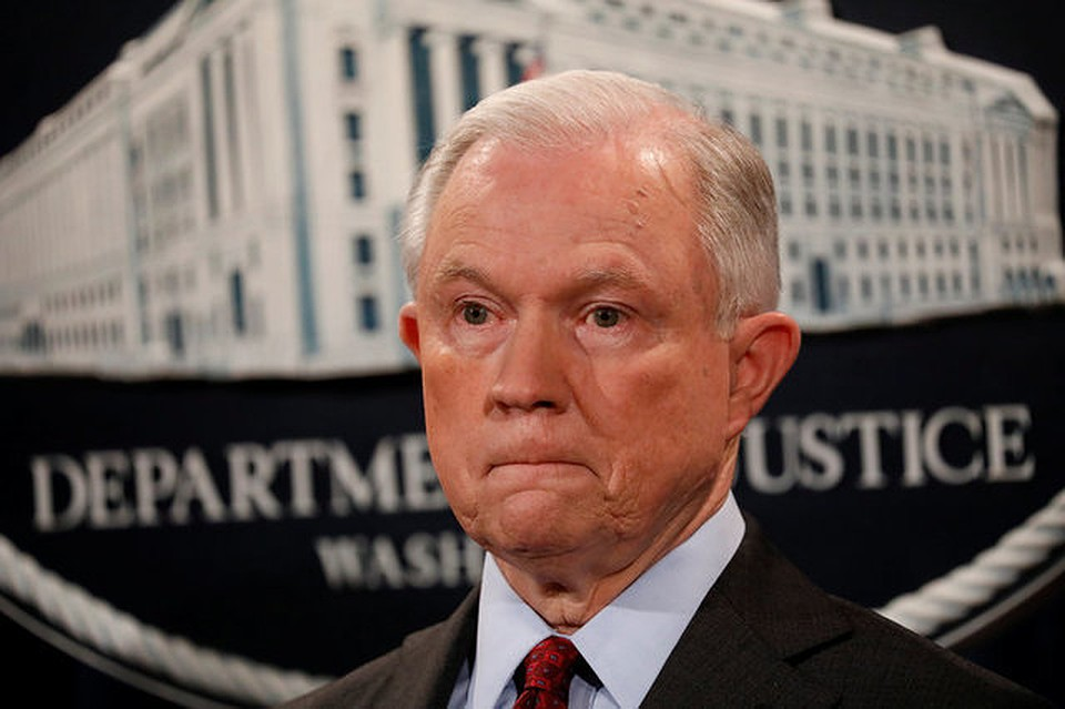 СМИ узнали осовете Трампу перевести генерального прокурора на иную должность