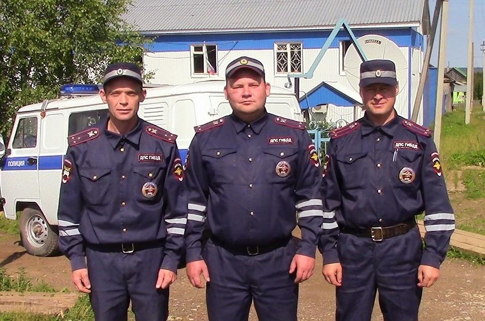 Работники ГИБДД спасли 20 человек изгорящего дома— Герои Пермского края