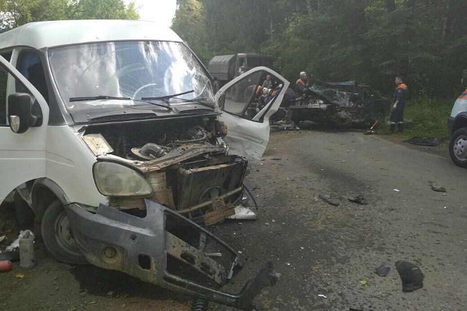 ВУфе встолкновении савтобусом умер шофёр Mercedes