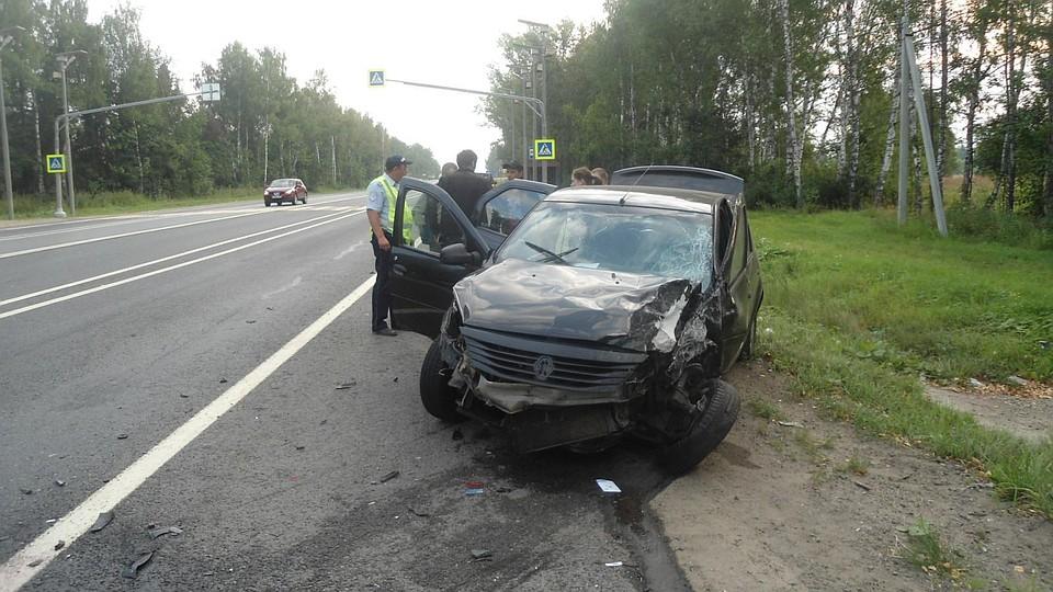 Уснувший зарулем шофёр устроил ДТП под Ярославлем