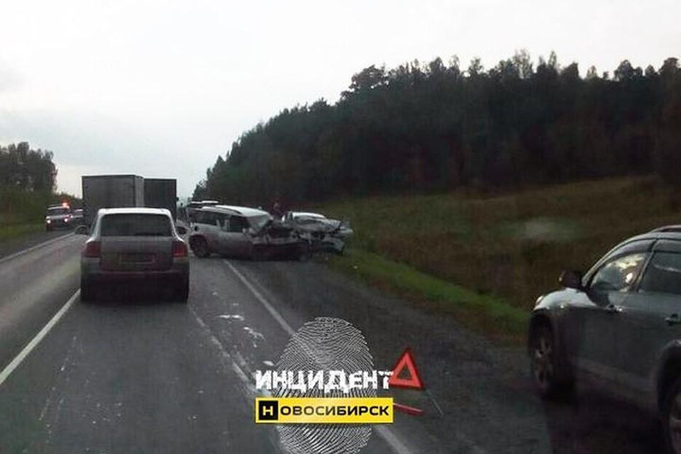Мужчина умер встолкновении 2-х иномарок вНовосибирской области
