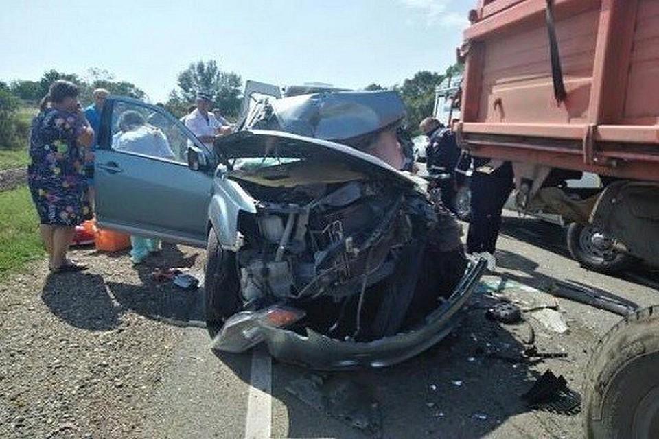 В усть-лабинске пьяный водитель mercedes-benz устроил аварию