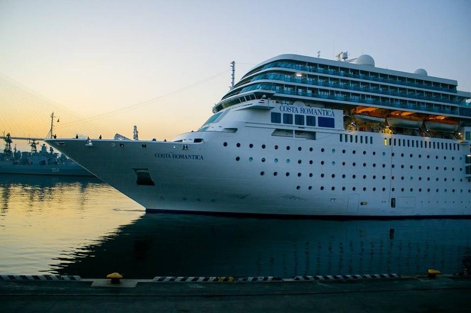 Тайфун «Талим» непустил судно Costa Neoromantica воВладивосток