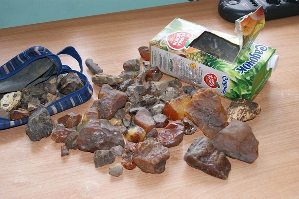 ВБрянске задержали украинца с2 килограммами янтаря