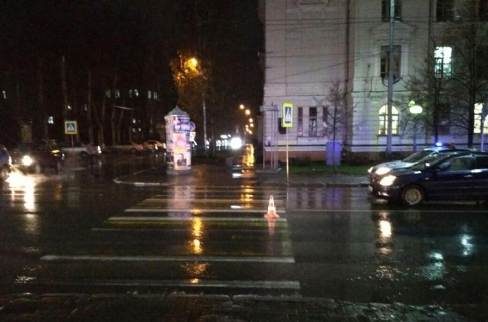 Иностранная машина сбила женщину с12-летним сыном напроспекте Кирова вТомске