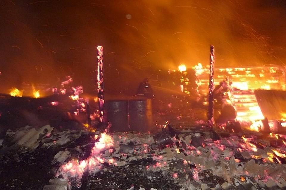 Два человека сгорели напожаре вНурлатском районе