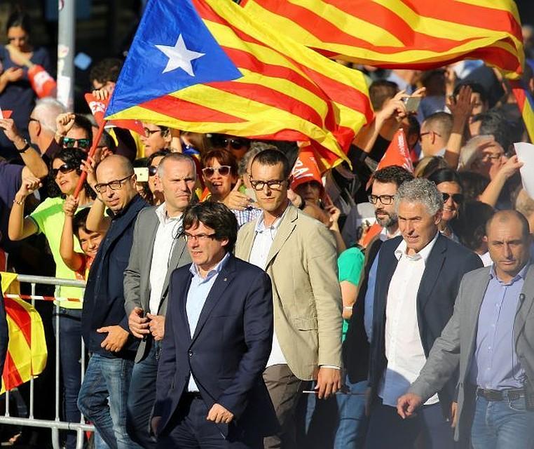Каталонцы вышли наулицы вподдержку задержанных Санчеса иКуйшара