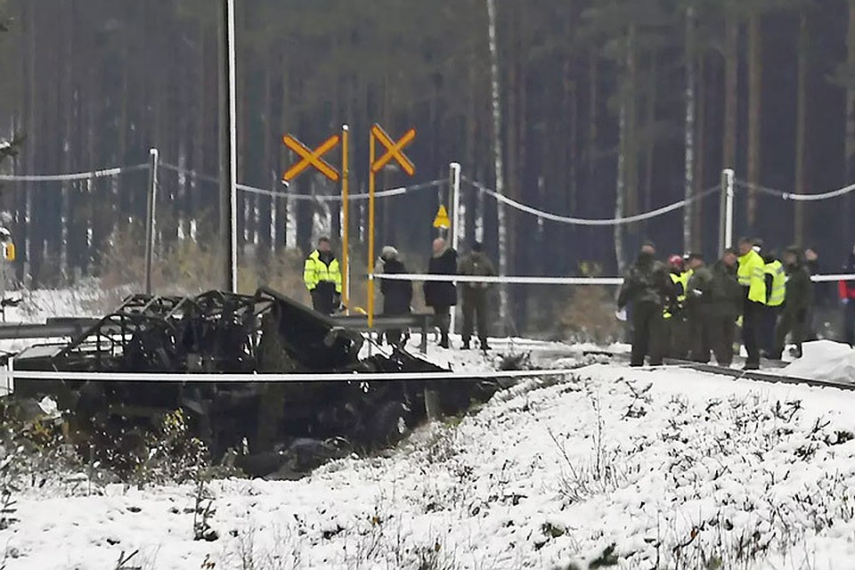 Бронетранспортер врезался впассажирский поезд вФинляндии