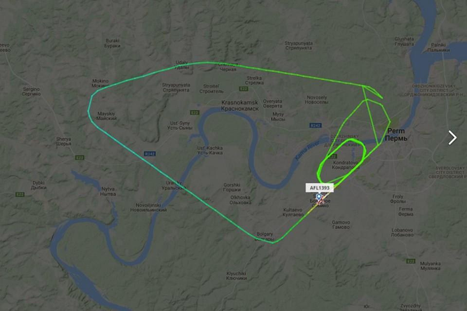 Самолет аэрофлота 1,5 часа кружил над Пермью
