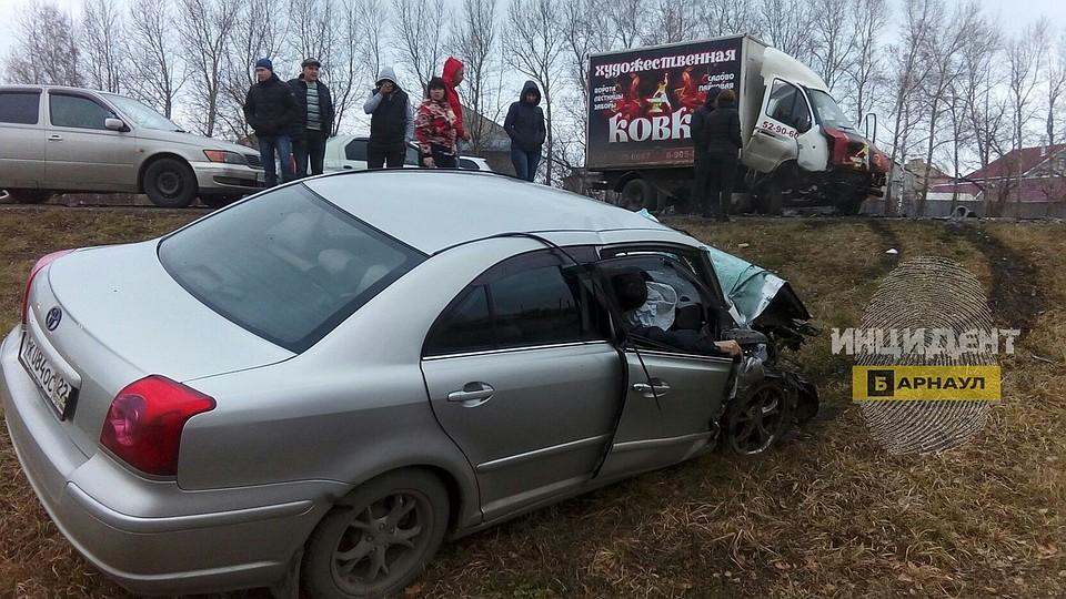 Печальное ДТП наАлтае: один человек умер идва пострадали