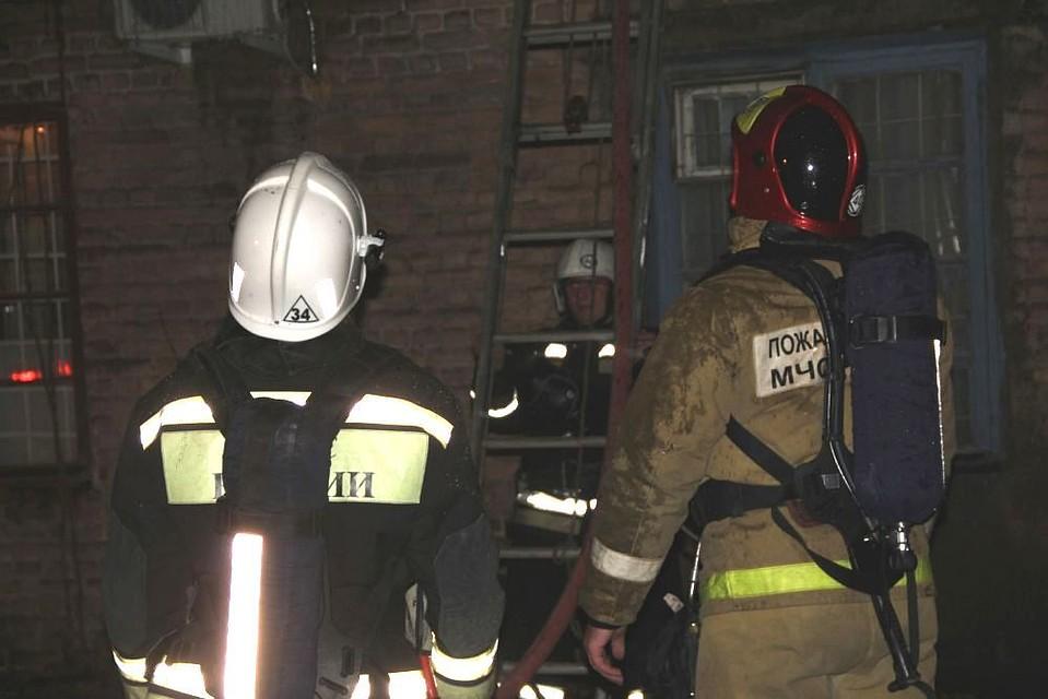 Напожаре старого дома вцентре Ростова погибли два человека