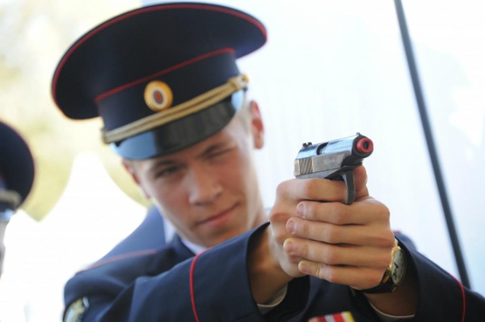 ВХабаровском крае полицейский случайно подстрелил коллегу