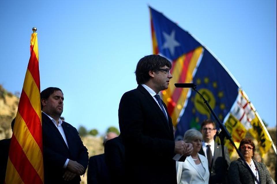 Испанский суд вызвал Пучдемона ибывших членов каталонского руководства для дачи показаний