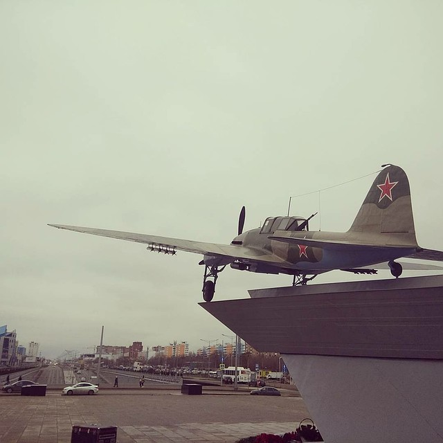 ВСамаре состоялось официальное открытие самолета-памятника Ил-2