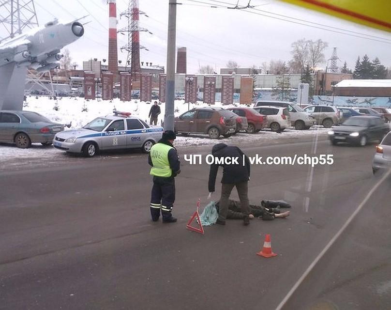 ВОмске насмерть сбили мужчину, перебегавшего дорогу внеположенном месте