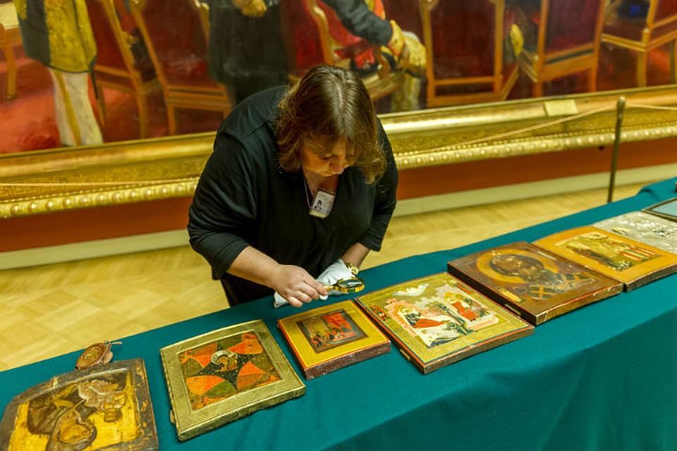ФСБ передаст Русскому музею изъятые уконтрабандистов иконы